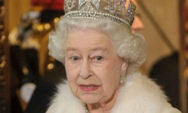 Ποιος θέλει τα εσώρουχα της βασίλισσας;