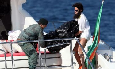 Ποιο διάσημο μοντέλο πέταξε στη θάλασσα ο Sacha Baron Cohen;