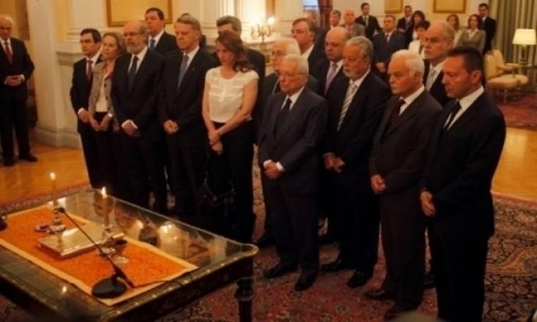 Τα βιογραφικά των νέων υπουργών