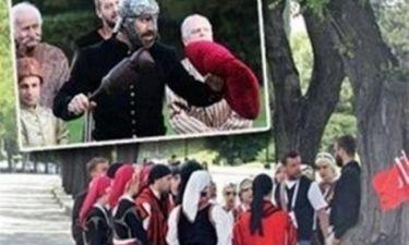 Είδηση – Βόμβα: Έστειλαν ελληνόπουλα για να τιμήσουν τον Κεμάλ!