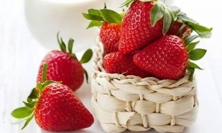 Σπιτικές συνταγές ομορφιάς με φράουλες