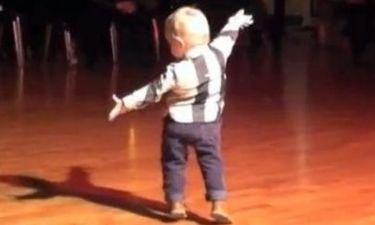 Ο εκπληκτικός πιτσιρίκος που χορεύει Paso Doble στα 2 του!