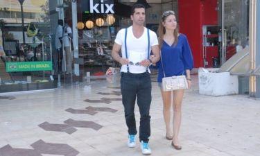 Θανάσης Βισκαδουράκης: Βόλτα με την σύντροφό του στην Γλυφάδα