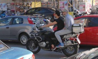 Ποιος τραγουδιστής είναι ο easy rider της φωτογραφίας;