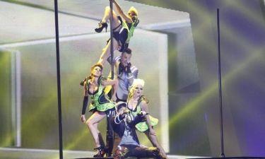Eurovision 2012: Αυστρία: Sexy pole dance και φωτάκια στα…