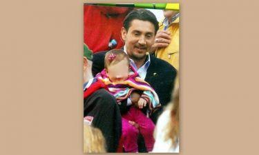 Νίκος Κακλαμανάκης: Αγκαλιά με την κόρη του
