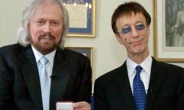 Ο Barry Gibb αφιερώνει ένα βίντεο στη μνήμη του αδερφού του Robin