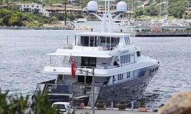 Ποιο ζευγάρι απολαμβάνει αυτό το σκάφος;