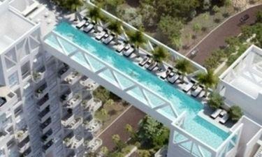 Ίλιγγος: Εσύ θα κολυμπούσες στην πιο τρομακτική πισίνα του κόσμου; (pics)