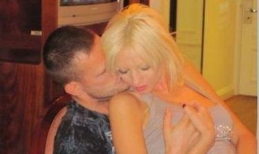 Ποιος Έλληνας pornostar έχει συνεργαστεί με τον συμπρωταγωνιστή της Τζούλιας;