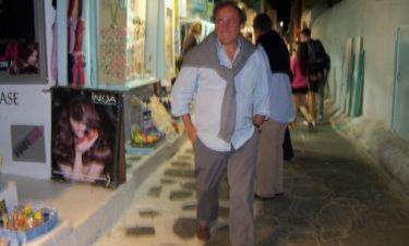 Οι βόλτες του Πλατινί στην Μύκονο λίγο πριν το Euro