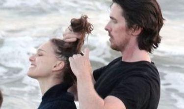 Ο Christian Bale δείχνει την τρυφερή πλευρά του στη Natalie Portman