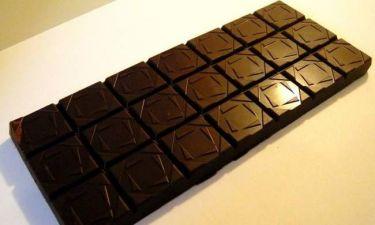 Μαύρη σοκολάτα, «ασπίδα» στο έμφραγμα