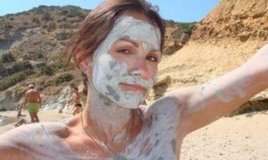 Ποια γνωστή κυρία πασάλειψε το πρόσωπό της με λάσπη; (φωτό)