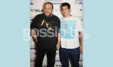 Μίλτος Καρατζάς: Βόλτα με τον γιο του