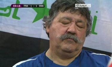 Euro 2012: Κοιμήθηκε όρθιος στο γήπεδο