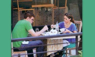 Κοκκίνου – Μπόγρης: Ρομαντικό γεύμα για δύο