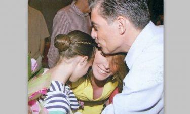 Στεφανίδου-Ευαγγελάτος: Τρυφερή αγκαλιά με την κόρη τους