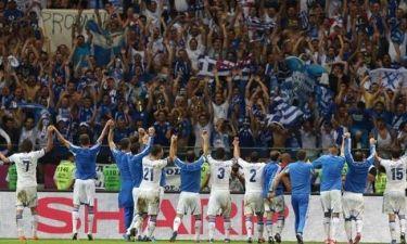 Euro 2012: Τα «όλε» των διεθνών με τον κόσμο (photos)