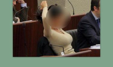Απίστευτο: Βουλευτής παραιτείται για να παίξει σε τσόντα του Σειρηνάκη!!!(Nassos blog)