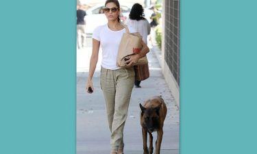 Eva Mendes: Κυκλοφορεί συνεχώς με το σκύλο της
