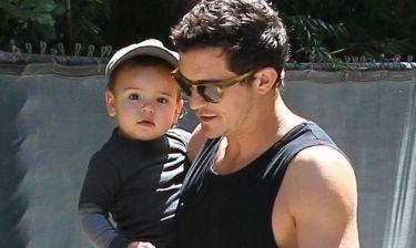 Orlando Bloom: Γιόρτασε με τον Flynn τη μέρα του πατέρα