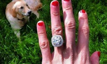 Σε ποια σταρ ανήκει το δαχτυλίδι;