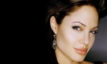 Το κοινωνικό μήνυμα της Angelina Jolie για τους πρόσφυγες