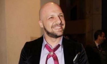 Νίκος Μουτσινάς: Πώς κρατάει τις ισορροπίες με τους συνάδελφους ως σκηνοθέτης;