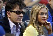 Denise Richards: Μάτια μόνο για τον Charlie Sheen