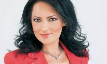 Ντένια Σαρακίνη: «Υπάρχουν σίγουρα στιγμές που νιώθεις ότι η δουλειά περιορίζει τον ρόλο της μητέρας»