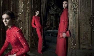 Οι μούσες του Valentino στα κόκκινα