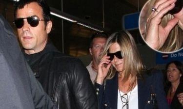 Τελικά φοράει δαχτυλίδι αρραβώνων η Jennifer Aniston;