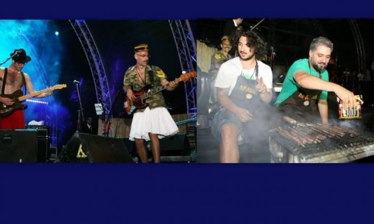 Με φουστανέλα και σουβλάκια on stage!