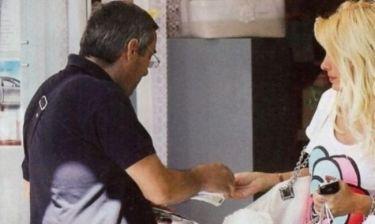 Η Ελένη Μενεγάκη αγοράζει λαχείο. Κι αν της…  κάτσει;