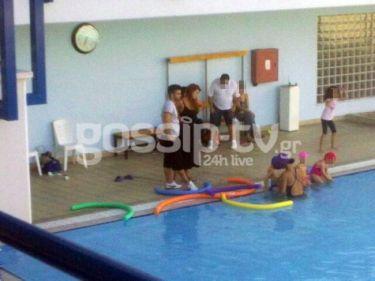 Χρηστίδου- Μαραντίνης: Με τον γιο τους στην πισίνα