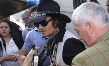 Johnny Depp: Ξεπερνά το χωρισμό του στο Δουβλίνο