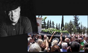 Θύμιος Καρακατσάνης: Το τελευταίο αντίο από συγγενείς και φίλους