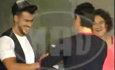 Όταν ο Άκης Πετρετζίκης συνάντησε τον Σάκη Ρουβά!