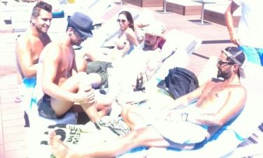 Γιώργος Χρήστου: Χαλαρές στιγμές στην πισίνα