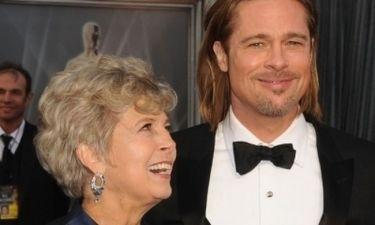 Η μητέρα του Brad Pitt εναντίον του Obama και των ομοφυλόφιλων