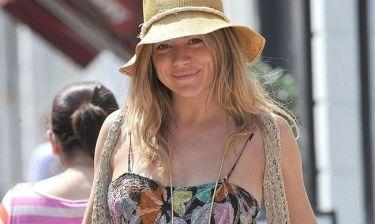 Η Sienna Miller έγινε μαμά!