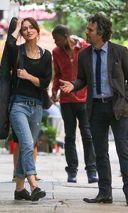 Keira Knightley: Χαλαρή και με το τσιγάρο στο χέρι