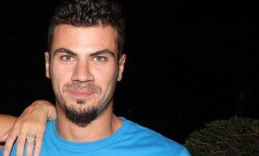 Άκης Πετρετζίκης: «Ακόμη και στο φλερτ δεν είμαι σε θέση να κάνω καμάκι»