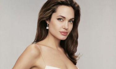 Φήμες θέλουν την Jolie στην Πύλο