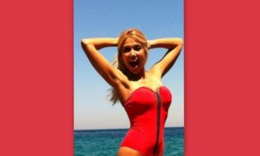 Έλενα Παπαβασιλείου: Ανέβασε φωτογραφία της στο twitter με μαγιό! (φωτό)