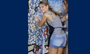 Μαρία Μενούνος: Σε φιλανθρωπική εκδήλωση με καυτό τζιν σορτσάκι
