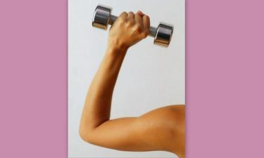 Τρικέφαλος βραχιόνιος: Aπό τους πιο δύσκολους μύες στο γυναικείο σώμα