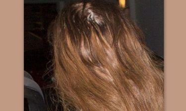 Η φωτογραφία που κάνει το γύρο του κόσμου: Ποια σταρ χάνει τα μαλλιά της;