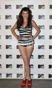 Ελληνίδα τραγουδίστρια έβαλε το εσώρουχο και ξέχασε τη φούστα! (φωτό)